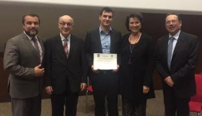 Remise du Prix par les membres de l'Académie des Sciences et Lettres de Montpellier